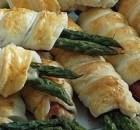 Cannoli di asparagi e pancetta in pasta sfoglia