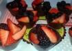 Cestini di cioccolato con frutti di bosco