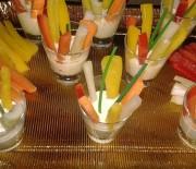 Cruditè di verdura in salsa di yogurt e senape