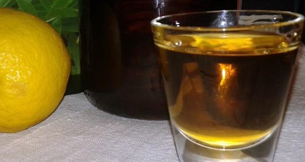 Liquore di limonaria (o erba cedrina)