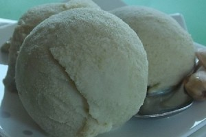 Gelato fatto in casa alla frutta gusto pistacchio